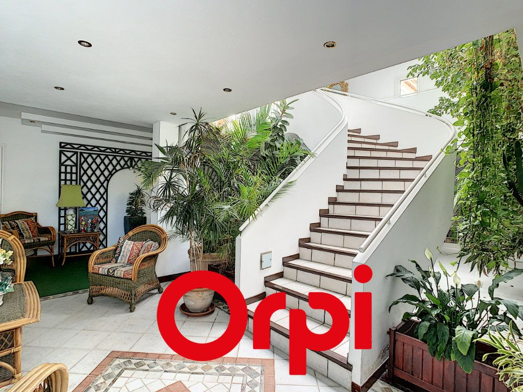 Maison à vendre 10 486m2 à La Cadière-d'Azur vignette-9
