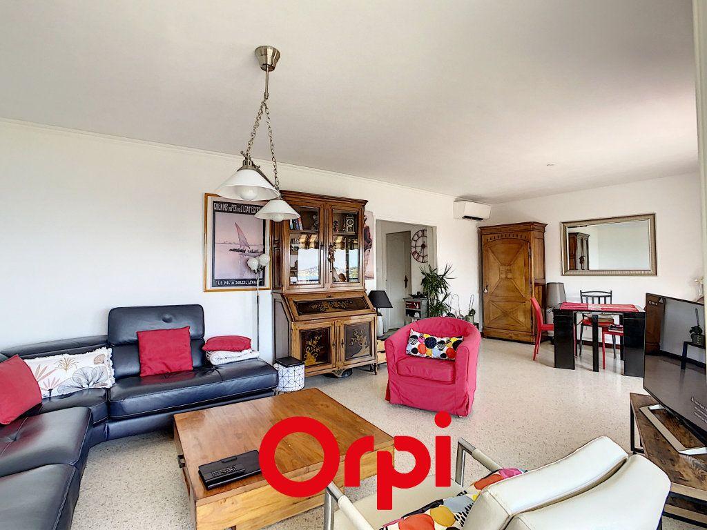 Appartement à vendre 3 73.47m2 à Bandol vignette-8