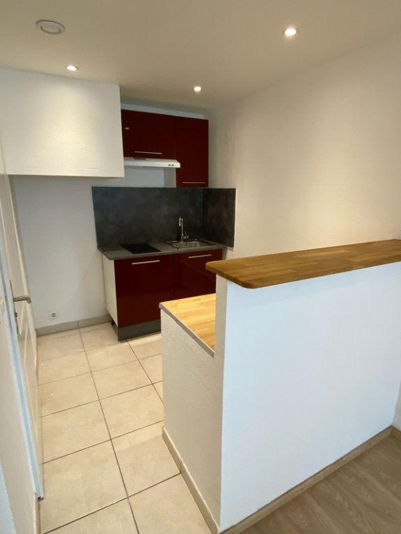Appartement à louer 2 30.81m2 à Bandol vignette-3