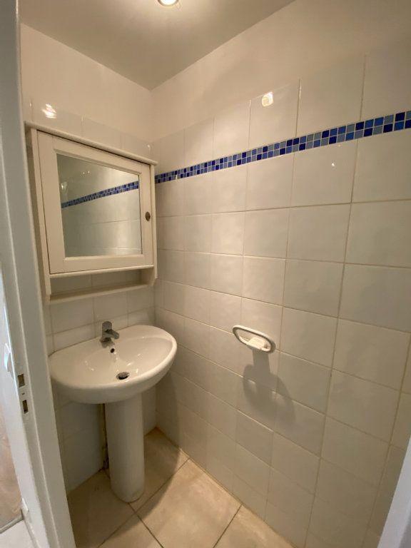 Appartement à louer 2 30.81m2 à Bandol vignette-6