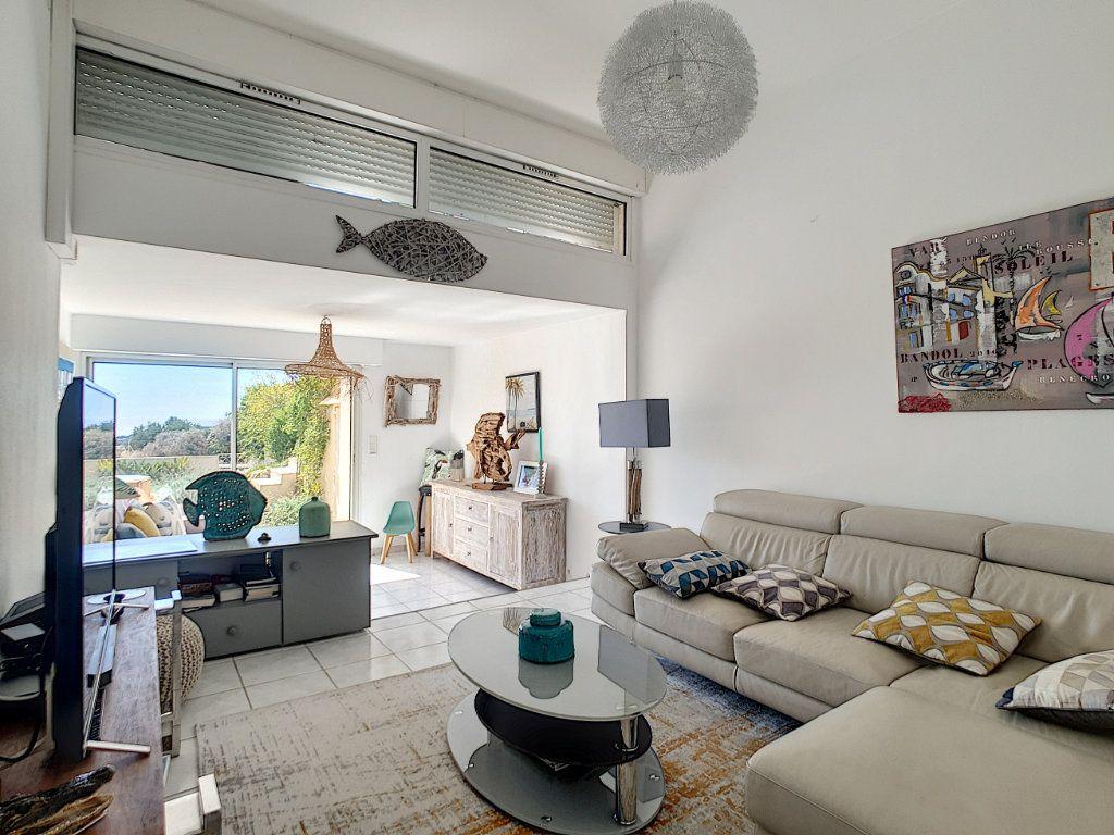 Maison à vendre 5 131.5m2 à Bandol vignette-5