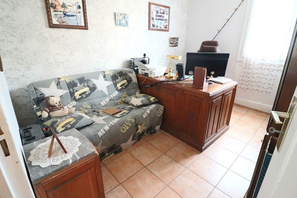 Appartement à vendre 4 84.86m2 à Bandol vignette-7