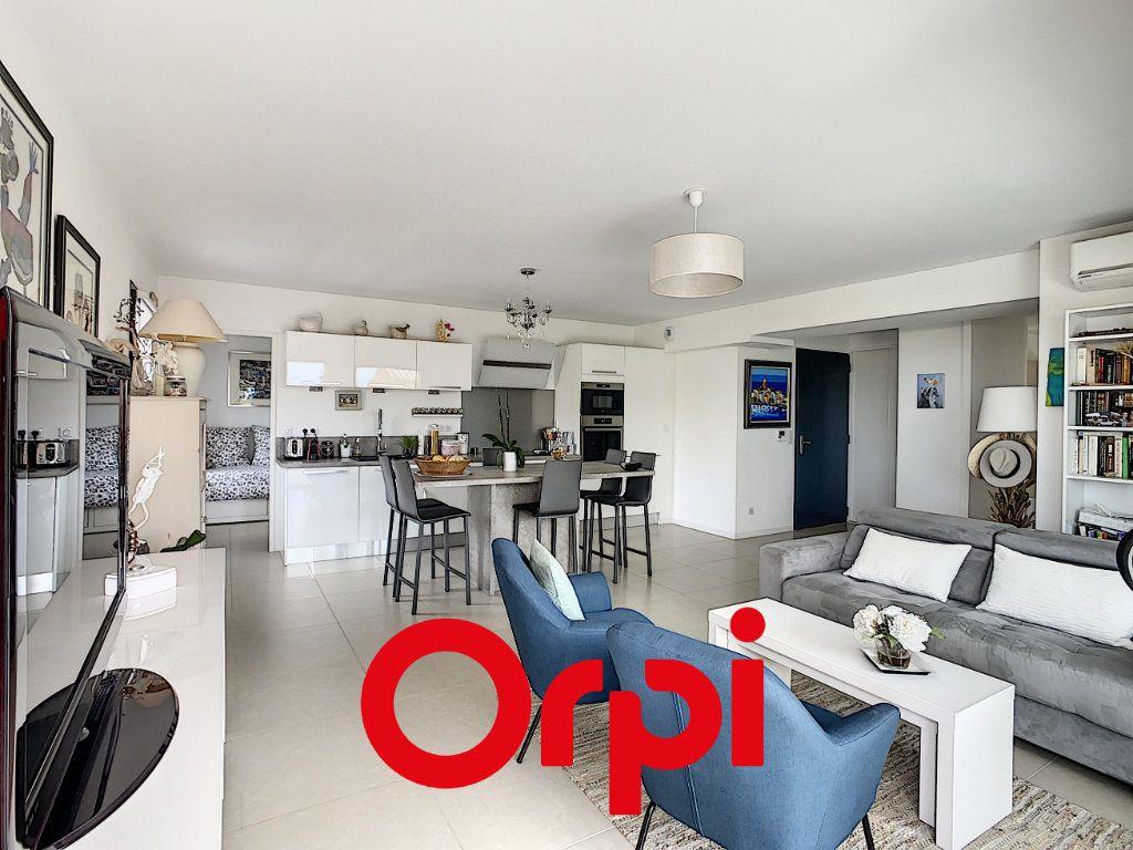 Appartement à vendre 4 82m2 à Bandol vignette-2