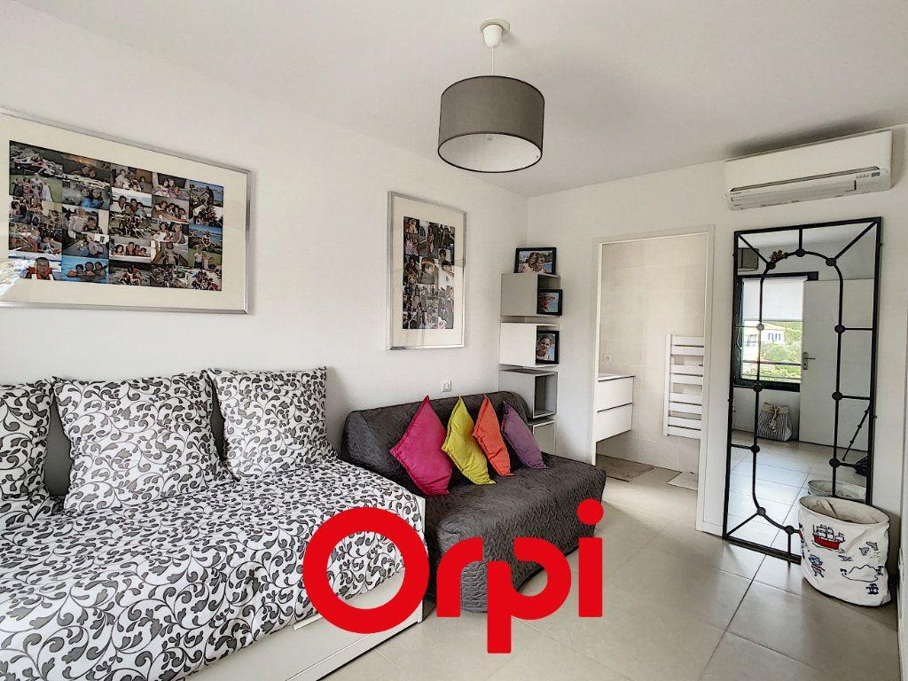 Appartement à vendre 4 82m2 à Bandol vignette-5