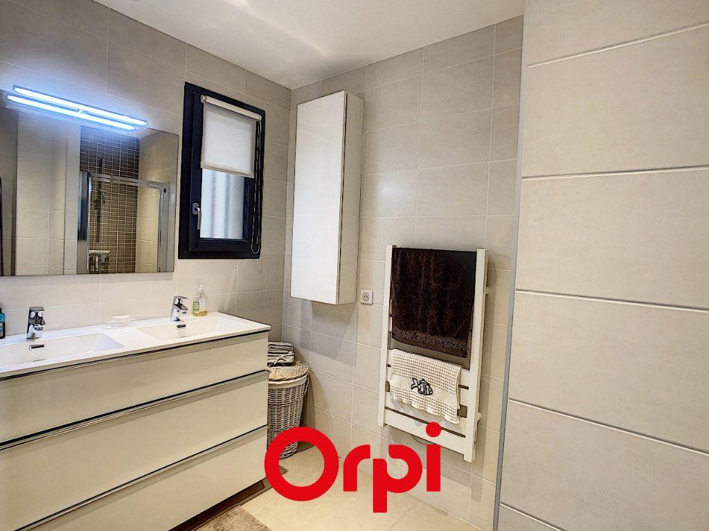 Appartement à vendre 4 82m2 à Bandol vignette-6