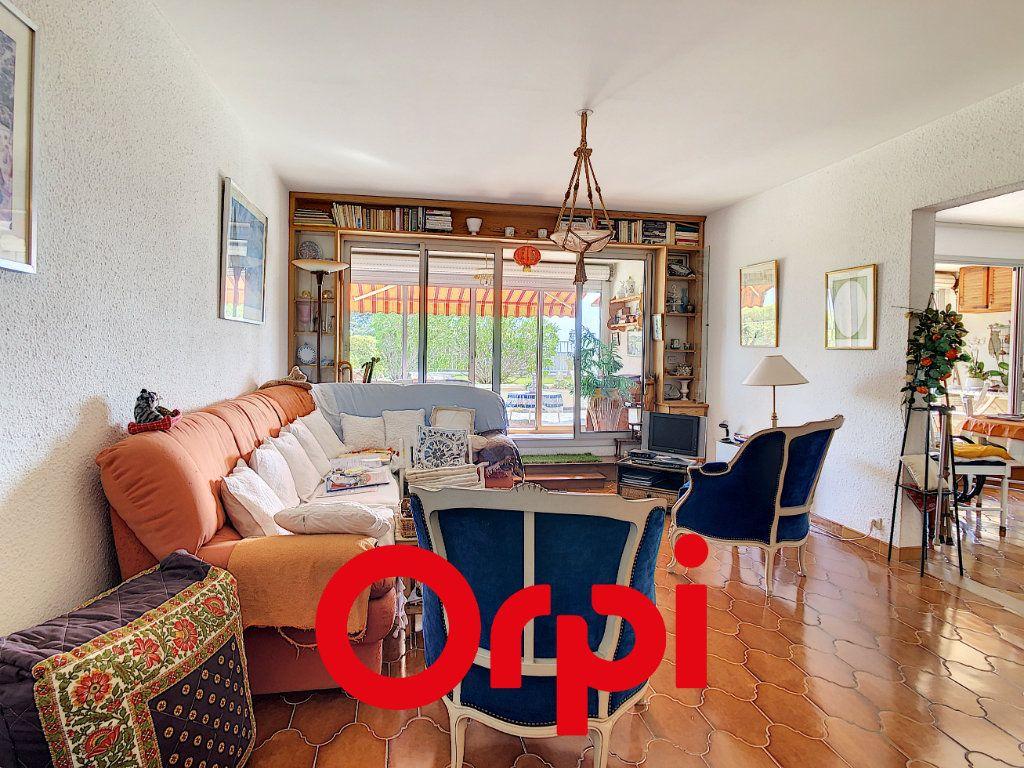 Appartement à vendre 3 75.17m2 à Bandol vignette-5