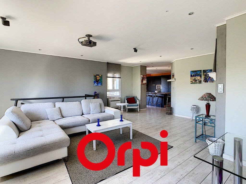Appartement à vendre 3 94.04m2 à Bandol vignette-2