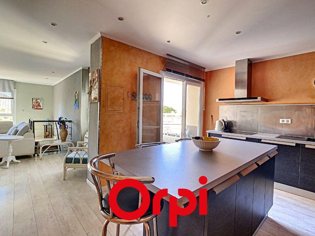 Appartement à vendre 3 94.04m2 à Bandol vignette-3