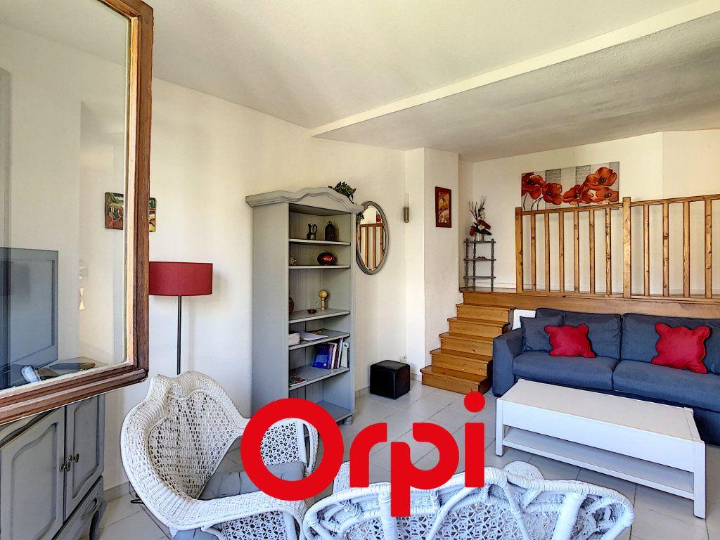 Appartement à vendre 3 64.36m2 à Bandol vignette-1