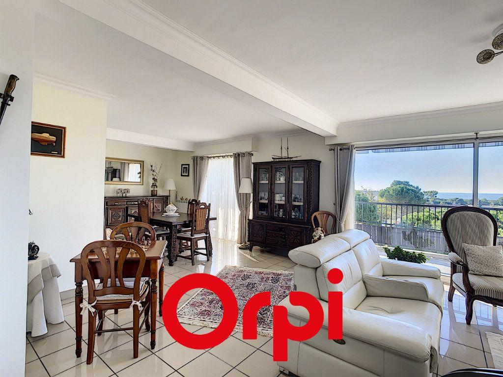 Appartement à vendre 4 99.49m2 à Bandol vignette-3
