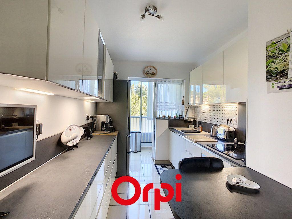 Appartement à vendre 4 99.49m2 à Bandol vignette-4