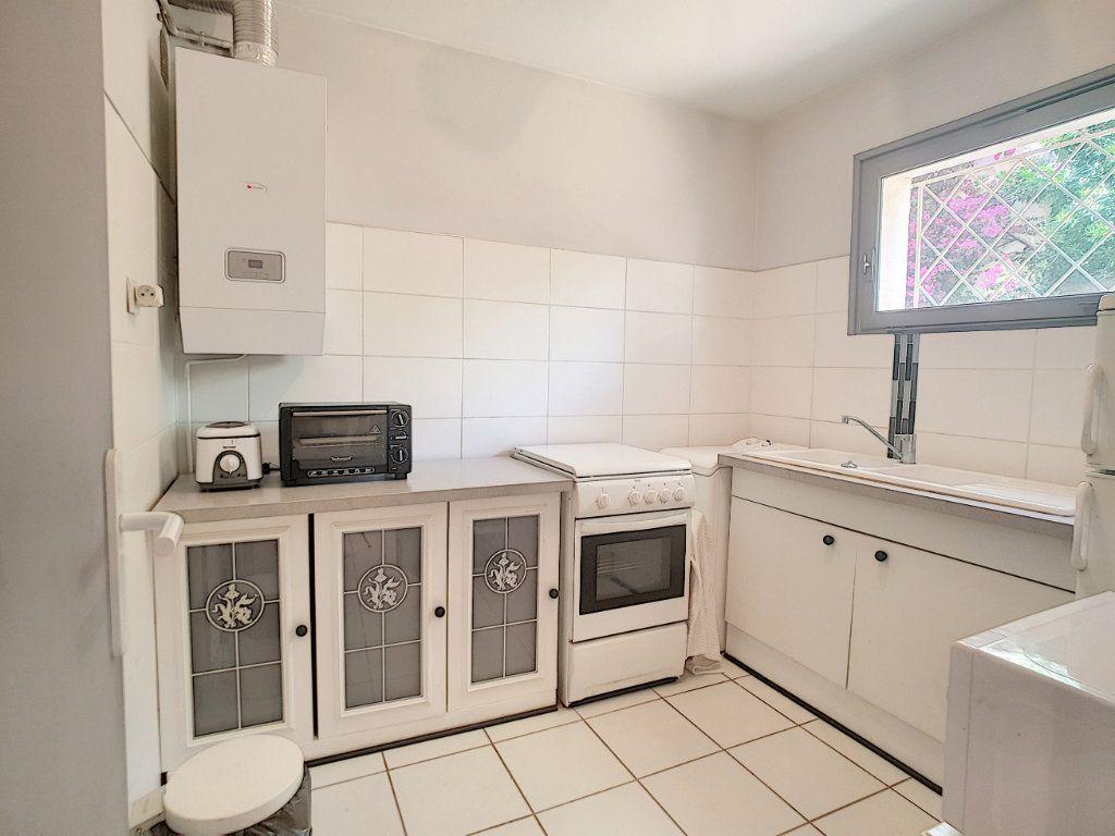 Appartement à vendre 1 32.86m2 à Bandol vignette-2