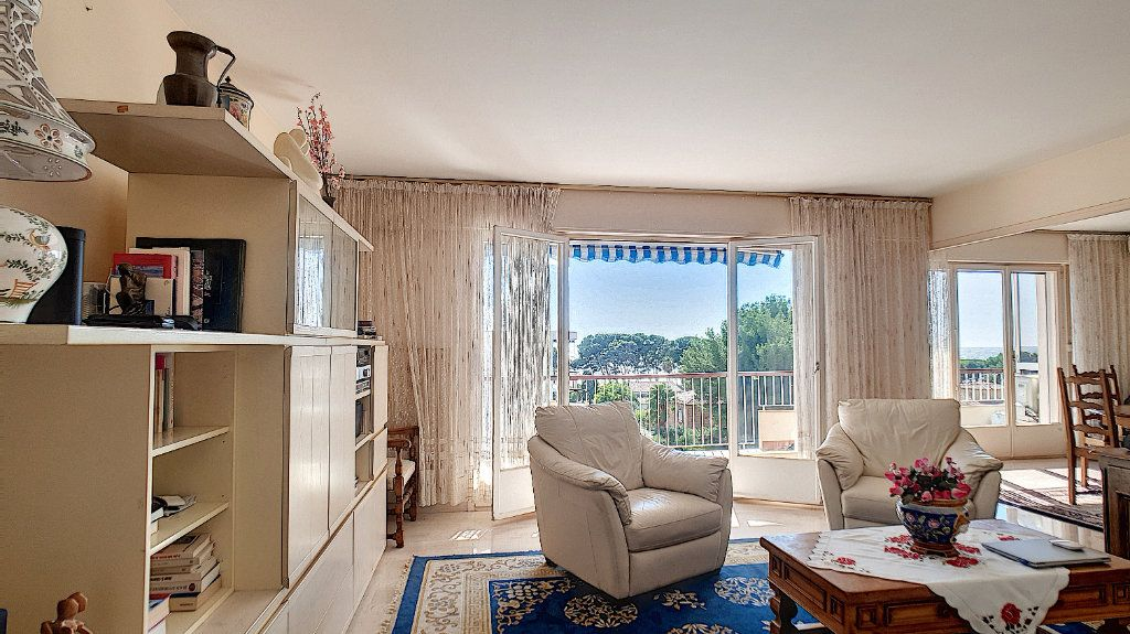 Appartement à vendre 4 83.27m2 à Bandol vignette-3