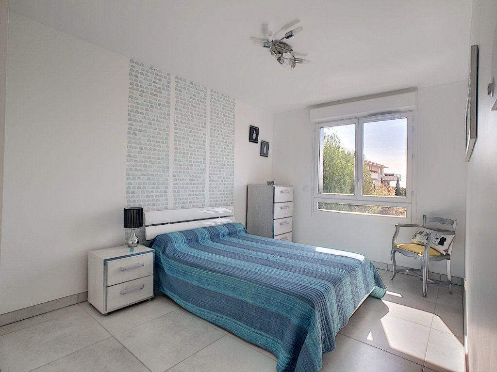Appartement à vendre 3 68.58m2 à Bandol vignette-6