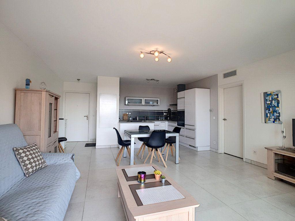 Appartement à vendre 3 68.58m2 à Bandol vignette-7