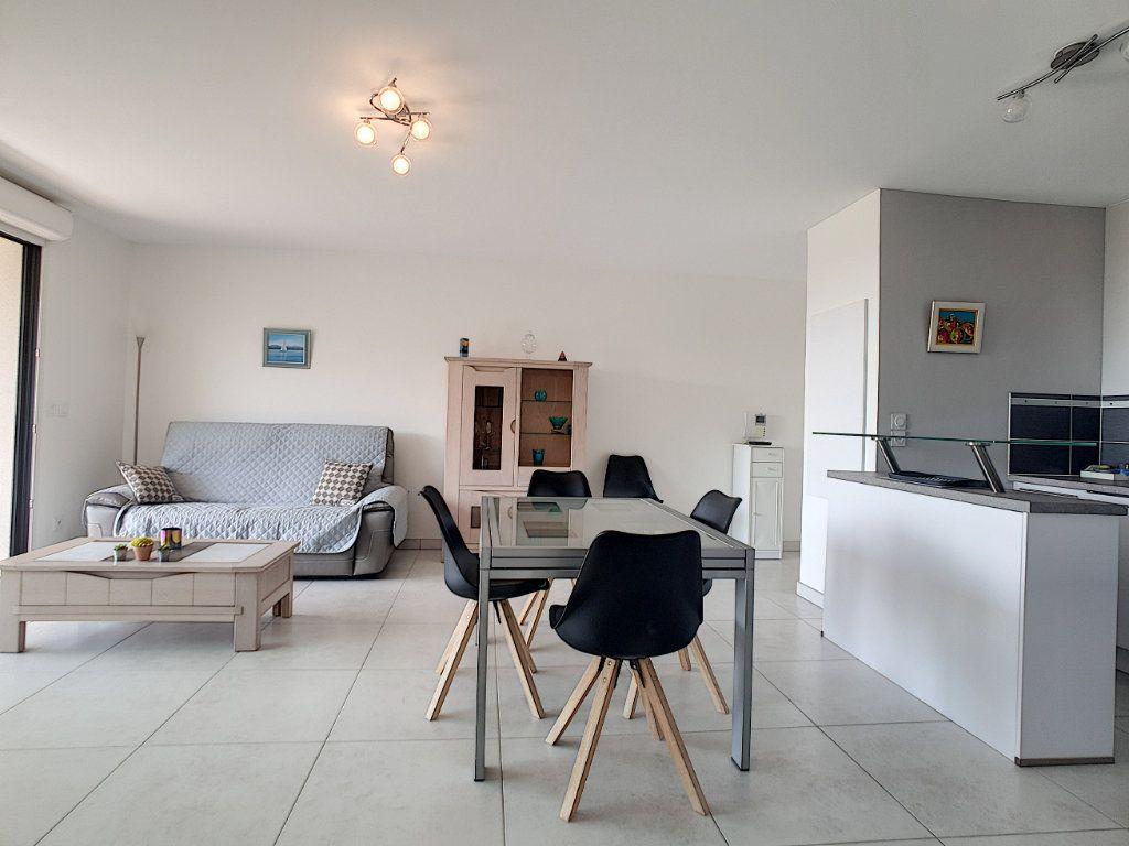 Appartement à vendre 3 68.58m2 à Bandol vignette-8