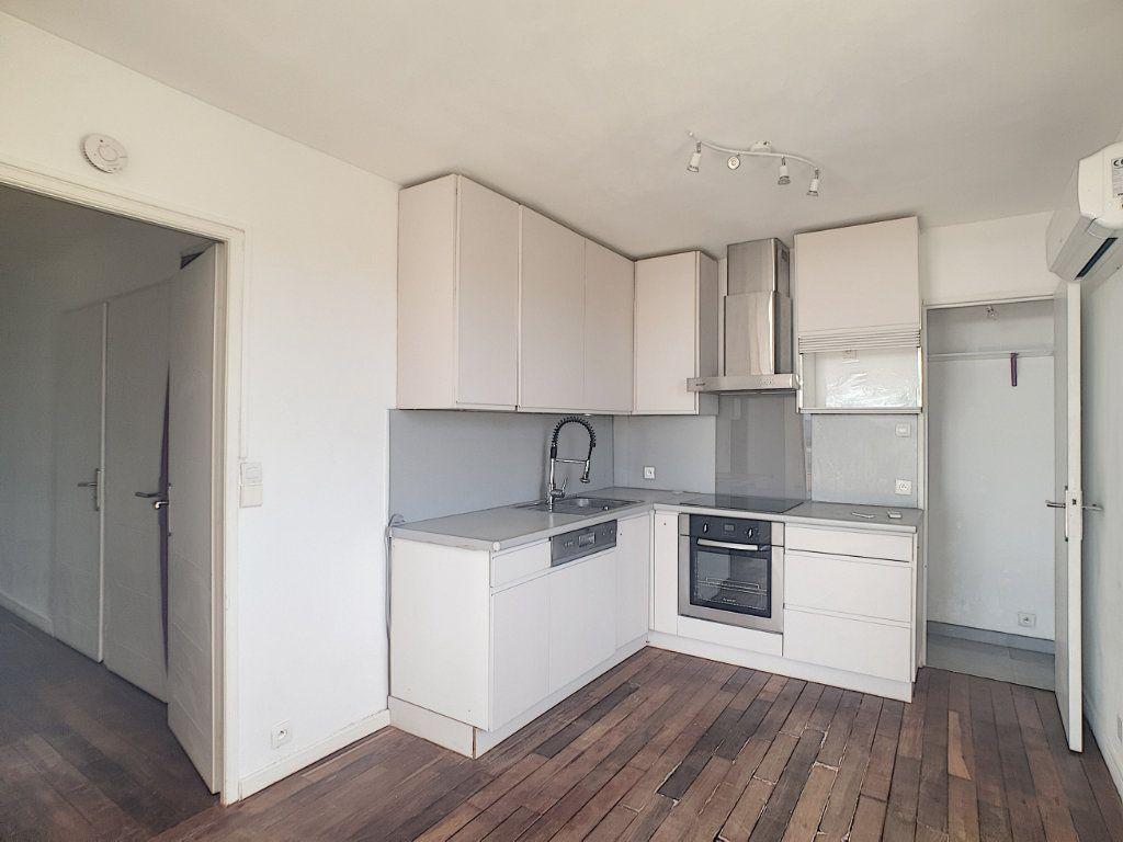 Appartement à louer 2 53m2 à Bandol vignette-4