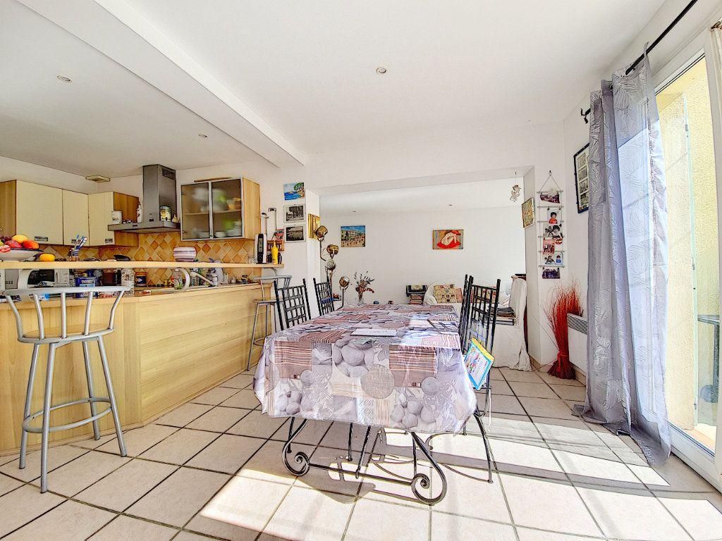 Maison à vendre 5 120m2 à Bandol vignette-6