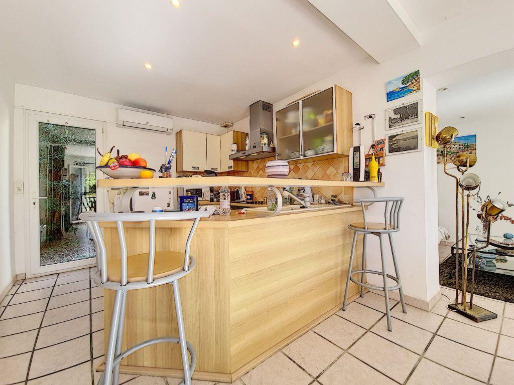 Maison à vendre 5 120m2 à Bandol vignette-7