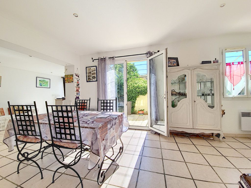Maison à vendre 5 120m2 à Bandol vignette-8