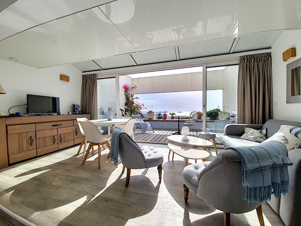 Appartement à vendre 3 53.2m2 à Bandol vignette-4
