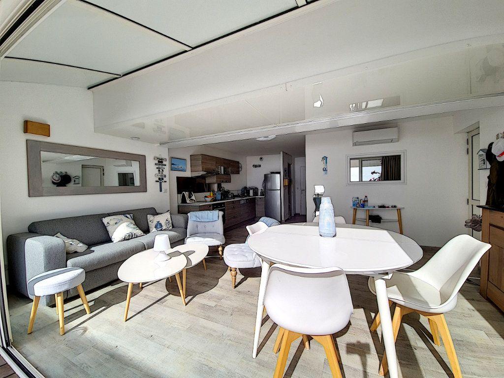 Appartement à vendre 3 53.2m2 à Bandol vignette-5