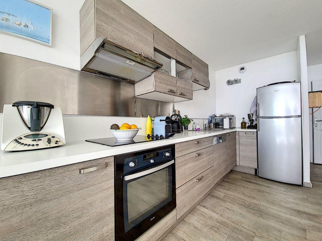 Appartement à vendre 3 53.2m2 à Bandol vignette-6