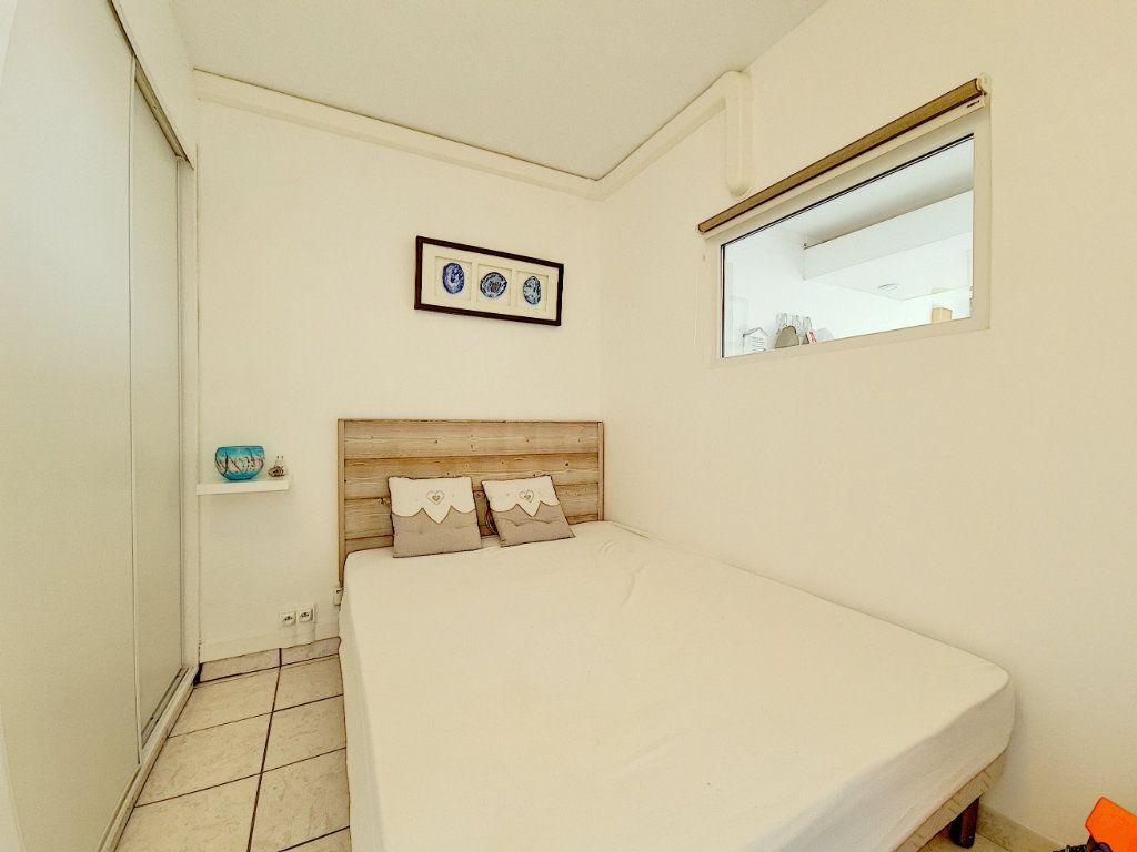 Appartement à vendre 3 53.2m2 à Bandol vignette-7