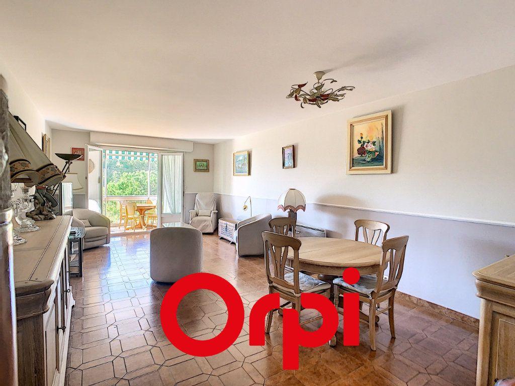 Appartement à vendre 4 101.55m2 à Bandol vignette-3