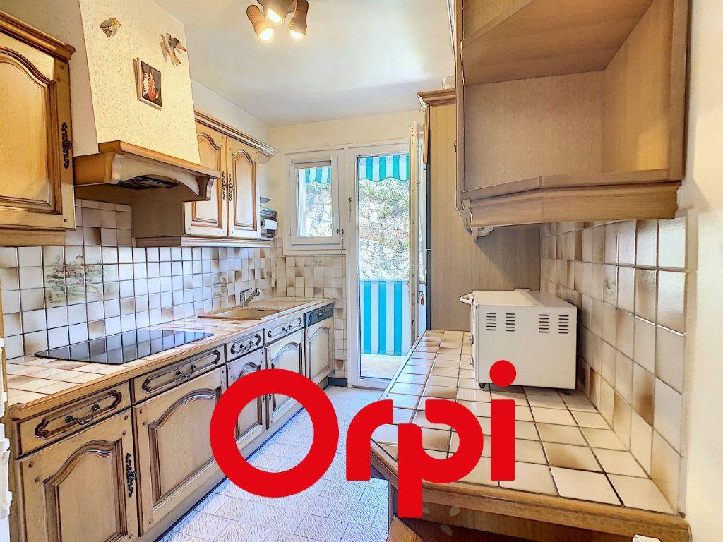 Appartement à vendre 4 101.55m2 à Bandol vignette-4
