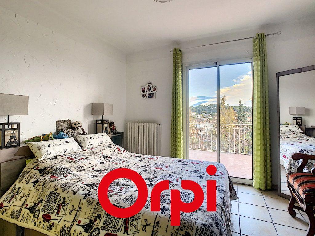 Appartement à vendre 6 137.9m2 à Ollioules vignette-7