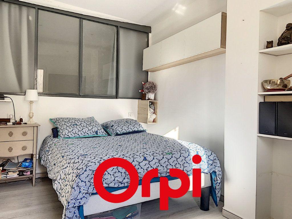 Appartement à vendre 4 60.47m2 à Bandol vignette-2