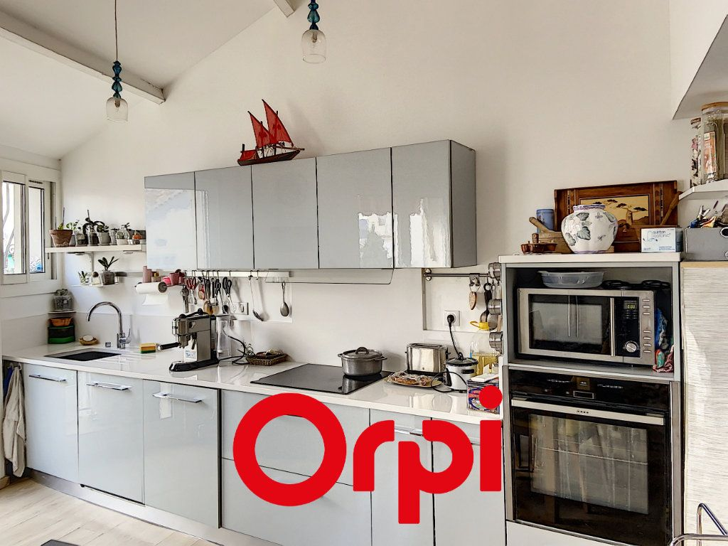 Appartement à vendre 4 60.47m2 à Bandol vignette-3