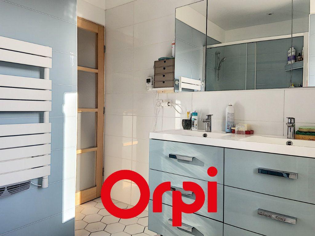 Appartement à vendre 4 60.47m2 à Bandol vignette-4