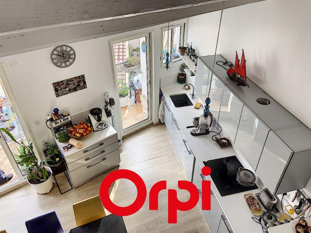 Appartement à vendre 4 60.47m2 à Bandol vignette-7