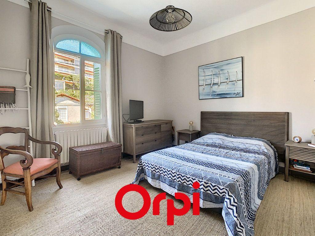 Appartement à vendre 5 110m2 à Bandol vignette-5