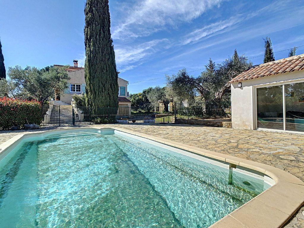 Maison à vendre 9 209m2 à La Cadière-d'Azur vignette-1