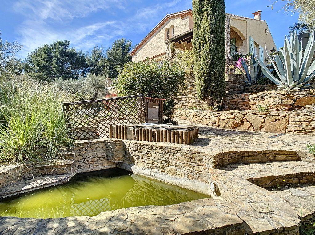 Maison à vendre 9 209m2 à La Cadière-d'Azur vignette-2