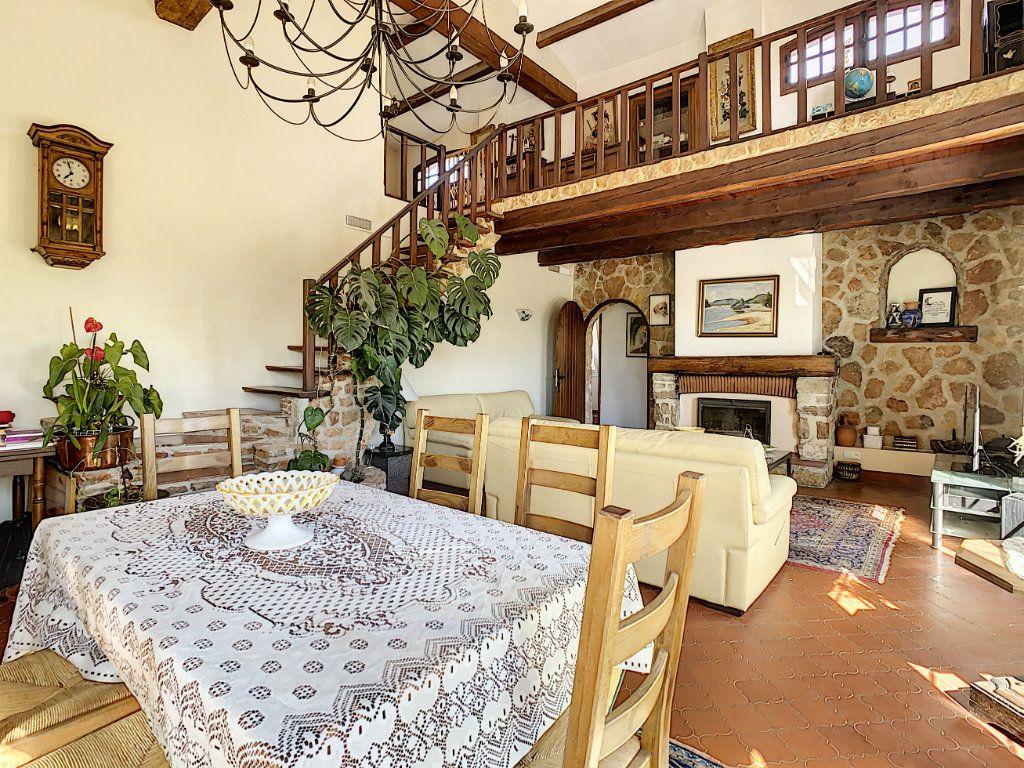 Maison à vendre 9 209m2 à La Cadière-d'Azur vignette-4