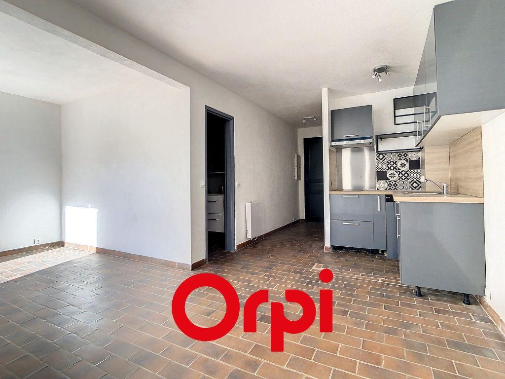 Appartement à vendre 1 31.87m2 à Saint-Cyr-sur-Mer vignette-1