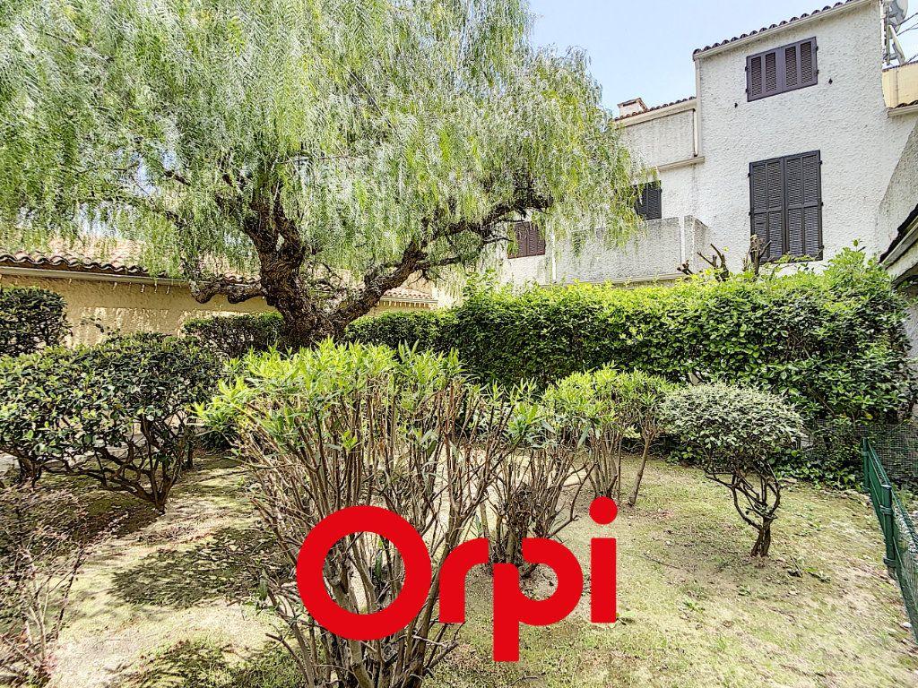Appartement à vendre 1 31.87m2 à Saint-Cyr-sur-Mer vignette-6