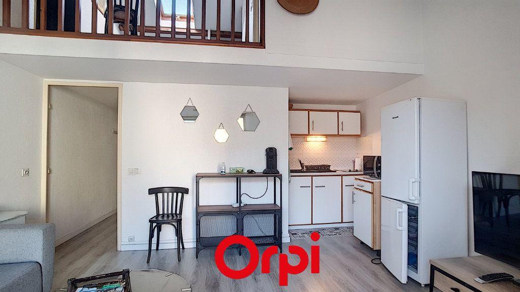 Appartement à louer 3 47.55m2 à Bandol vignette-1