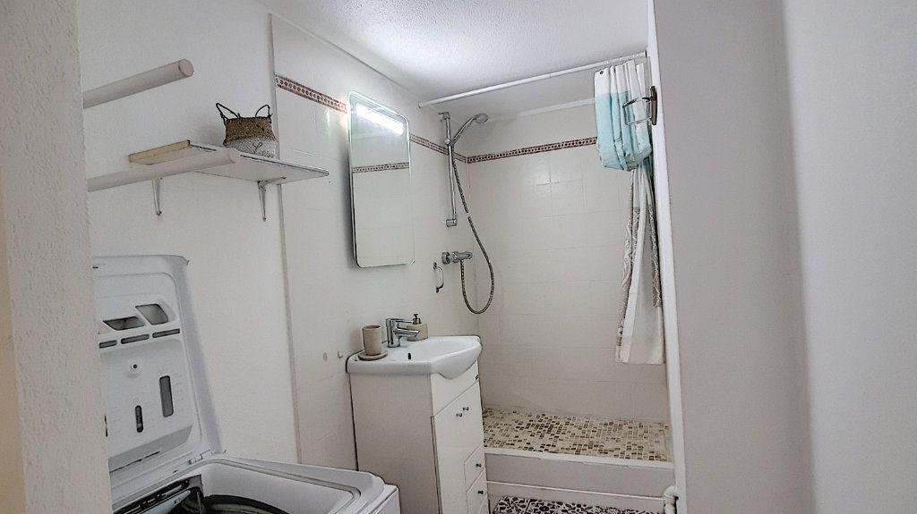 Appartement à louer 3 47.55m2 à Bandol vignette-5