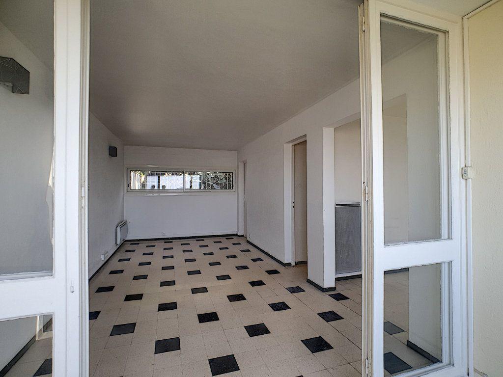Appartement à louer 5 76.91m2 à Toulon vignette-7