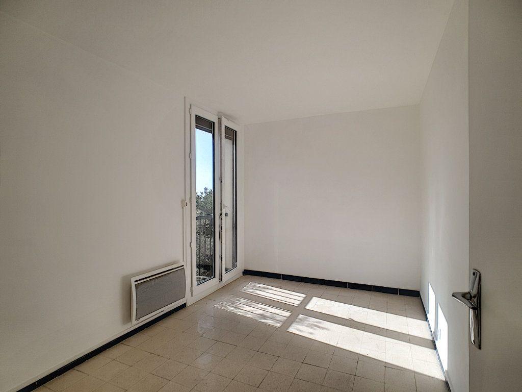 Appartement à louer 5 76.91m2 à Toulon vignette-9