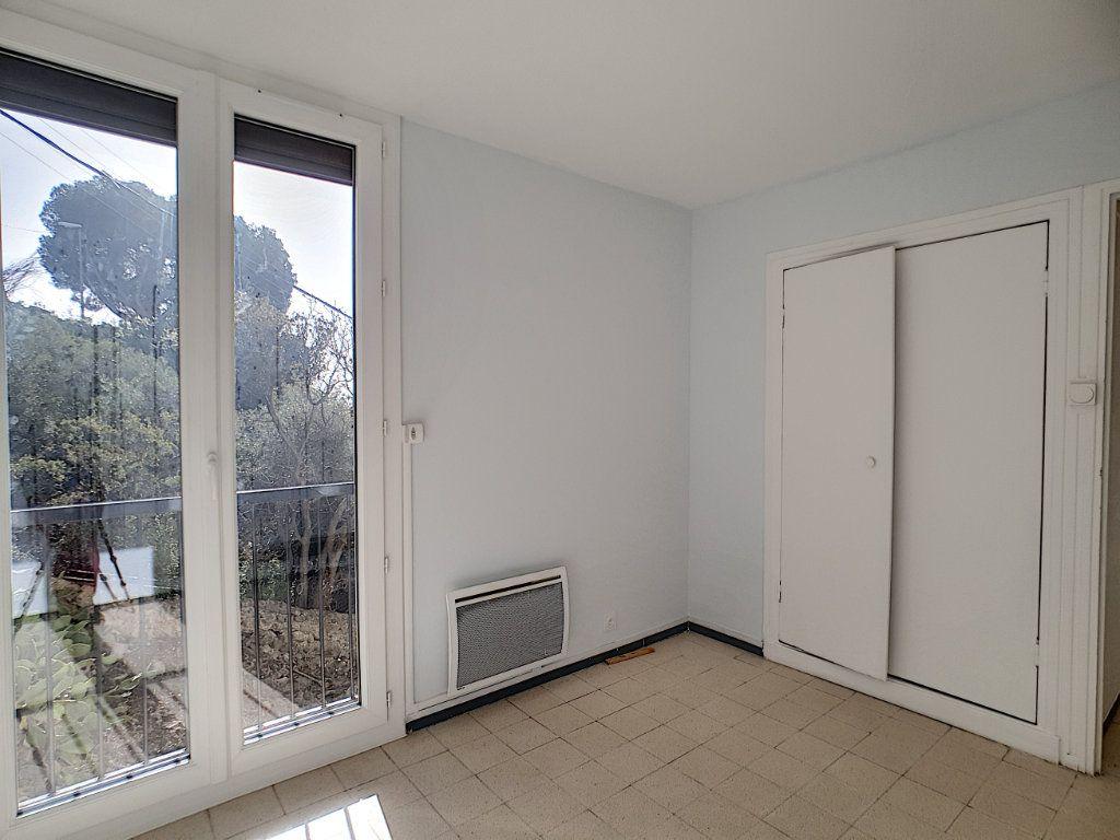 Appartement à louer 5 76.91m2 à Toulon vignette-10