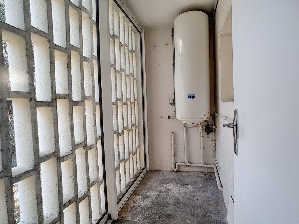Appartement à louer 5 76.91m2 à Toulon vignette-11
