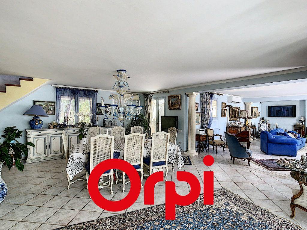 Maison à vendre 10 486m2 à La Cadière-d'Azur vignette-3