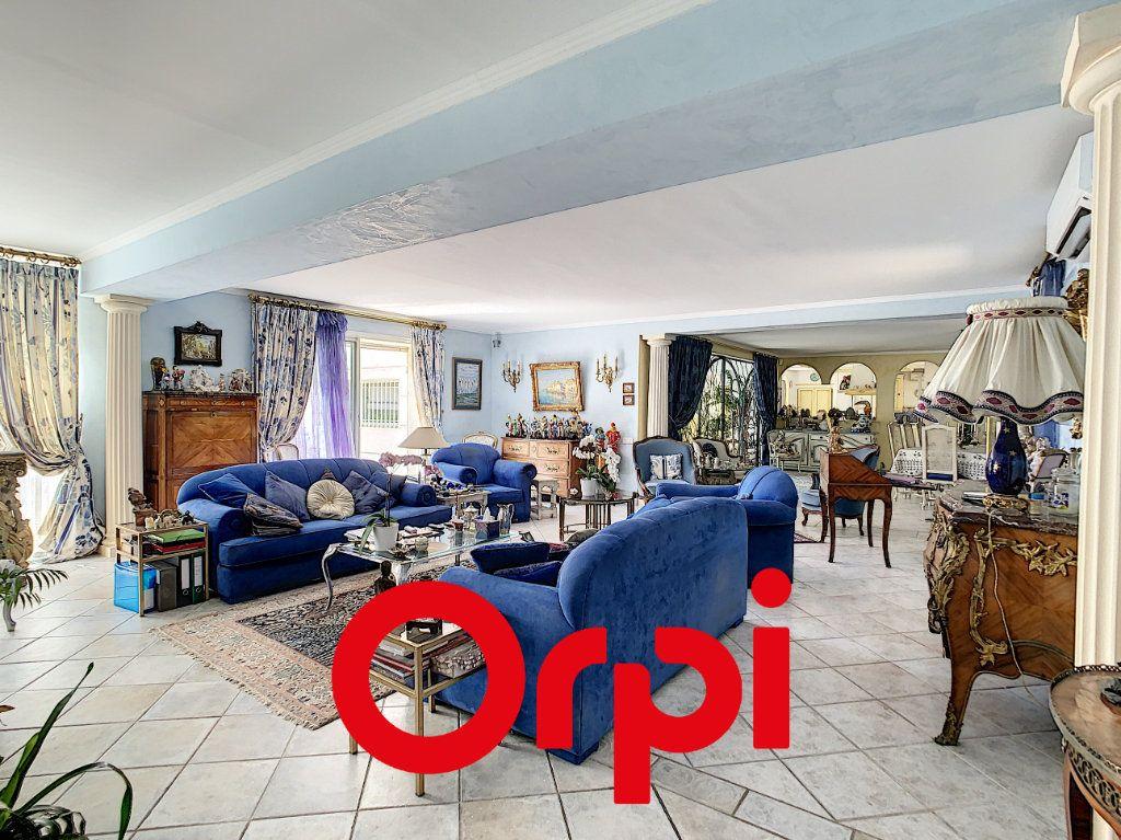 Maison à vendre 10 486m2 à La Cadière-d'Azur vignette-6