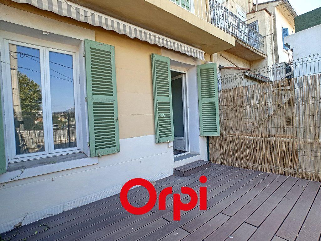Appartement à louer 2 36.7m2 à La Seyne-sur-Mer vignette-2
